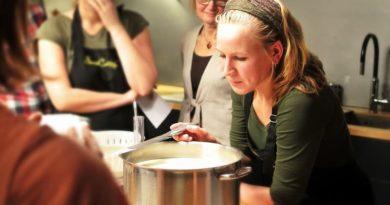 Changez votre stratégie de team building avec un atelier cuisine à Paris